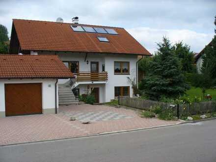 Gepflegtes 6-Zimmer-Einfamilienhaus mit Einbauküche in Markt Wald, Unterallgäu (Kreis)