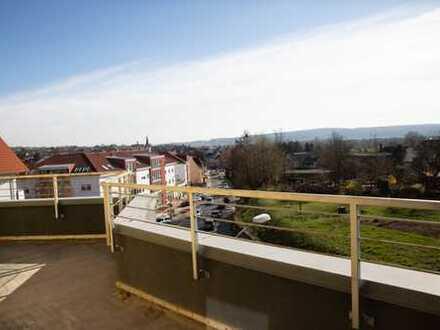 Modernisierte 3-Zimmer-Penthouse-Wohnung mit Balkon und EBK in Sulzbach am Main