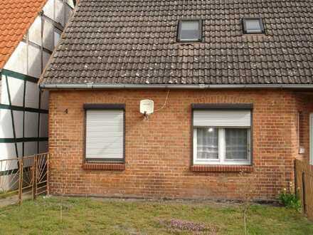 Doppelhaushälfte in ruhiger Dorflage