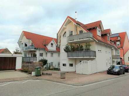 Gepflegte 2 Zi-Wohnung mit Einbauküche und Doppelparker-Stellplatz in Rauenberg