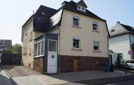 Bitburg, zentrumsnah - geräumiges Einfamilienhaus mit Garten und Carport