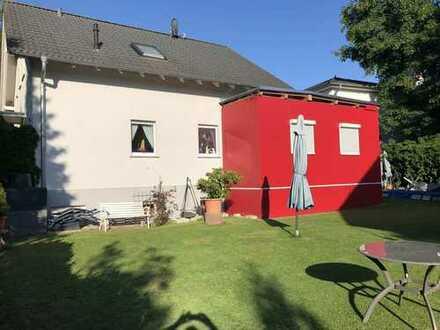 Einfamilienhaus in ruhigem, natürlich gewachsenem Stadtteil von Frankfurt /M. zu verkaufen!