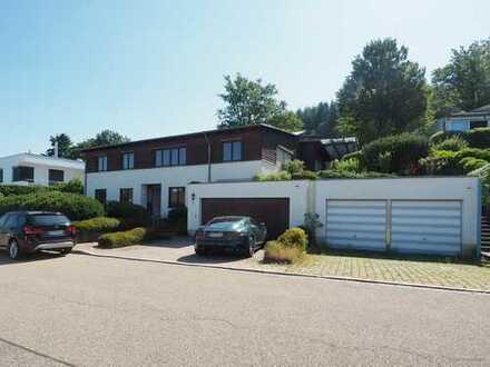 FR-Zähringen: stilvolles Einfamilienhaus mit Terrasse und Kaiserstuhlblick