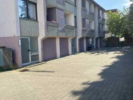 Vollständig renovierte Wohnung mit drei Zimmern sowie 3Balkonen und EBK in Nufringen