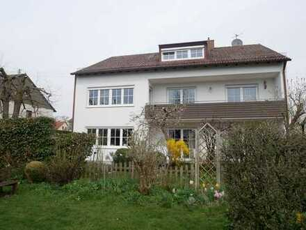 gemütliche Dachwohnung in ruhiger Lage -ideal für Münchenpendler-