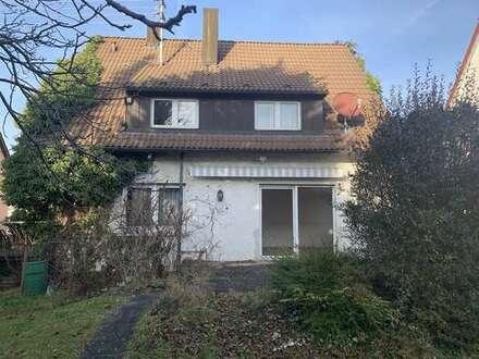 Einfamilienhaus mit Garten & Garage
