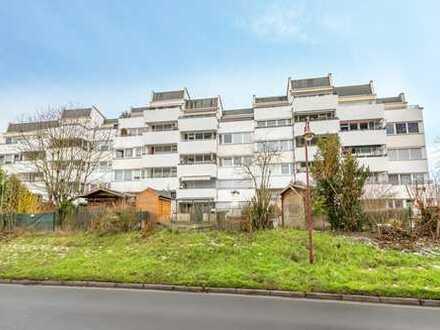 Bruchköbel-Roßdorf: Neuwertige, großzügige 3,5 Zimmer-Wohnung mit Balkon und Einbauküche