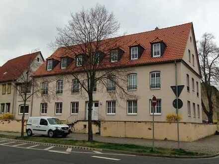 NEU ! großzügige, helle 3-Zimmer-Wohnung zur Eigenrenovierung