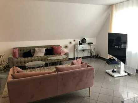 Gepflegte 5-Zimmer-Wohnung mit drei Balkon in Metzingen