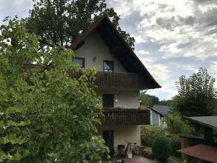 Doppelhaushälfte mit drei zusätzlichen Wohnungen in Reichertshausen zu verkaufen!