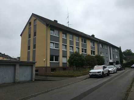 3-Zimmer-Wohnung mit 2 Garagen in Kray zu ersteigern!