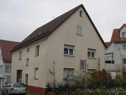 Ehemaliges Bauernhaus. Grundstück auch für Neubebauung mit Mehrfamilienhaus geeignet.