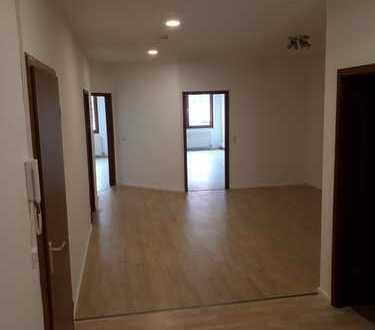 Helle 3(4)-Zimmer-Wohnung mit Einbauküche im Herzen von Göttingen -WG geeignet!!-