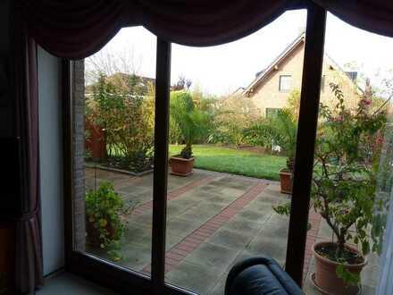 HAMBURG - ALTES LAND , Zwei Zimmer im gepflegten Landhaus im Grünen
