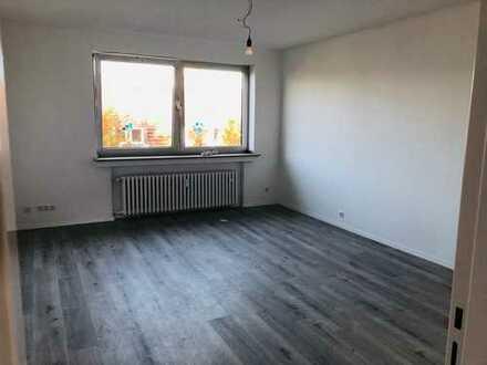 Kernsanierte 2,5 Raum Wohnung sucht neuen Mieter