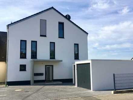 Wunderschöne 2-Zimmer-Wohnung mit Balkon & Blick ins Grüne