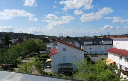 Neuwertige 4-Zimmer-Penthouse-Wohnung mit Balkon in Gaggenau