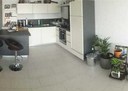 Exklusive unmöblierte 2,5-Zimmer-Wohnung mit Balkon und Einbauküche in Aschaffenburg