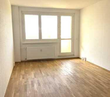 Helle 3-Raum-Wohnung mit Balkon in Abtshagen. NEU renoviert + 500€ Umzugskostenhilfe