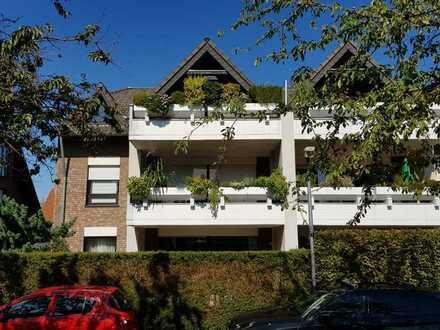 Großzügige komfortable 2-3 Zi EG Wohnung mit Einbauküche, Garten, TG Stellplatz und Kellerraum