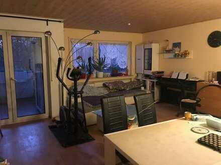 Gepflegte 3-Zimmer-Wohnung mit Balkon und Einbauküche in Offenbach