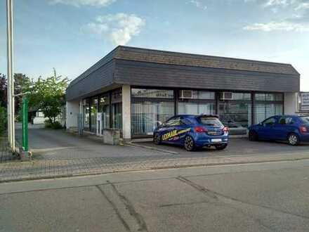 Büro- / Geschäftsgebäude mit Parkplätzen und Ausstellungsraum in Rödermark Ober-Roden zu vermieten