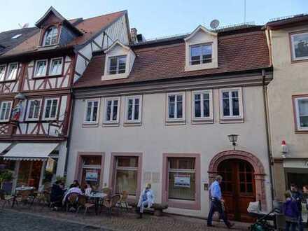 Günstige, vollständig renovierte 4-Zimmer-Wohnung mit Einbauküche in Miltenberg