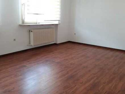 Attraktive 1-Zimmer-Hochparterre-Wohnung mit Einbauküche in Ober-Ramstadt
