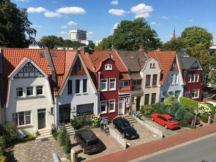 Schönste Aussichten in bester Lage: Dachgeschoss Parkstraße
