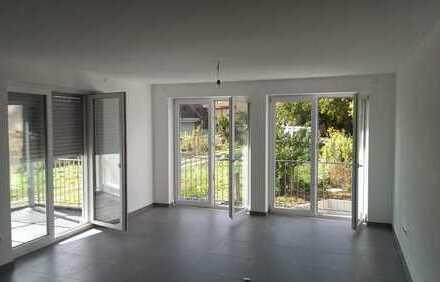 Erstbezug mit EBK und Balkon/Terrasse: freundliche 4,5-Zimmer-Wohnung in Erligheim