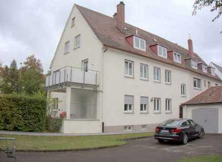 Gepflegte Erdgeschosswohnung mit dreieinhalb Zimmern , überdachte Terrasse und Garten in Ulm