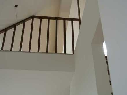 Attraktive, helle, ruhige 3,5-Zimmer-Maisonette-Wohnung mit Blick in Park