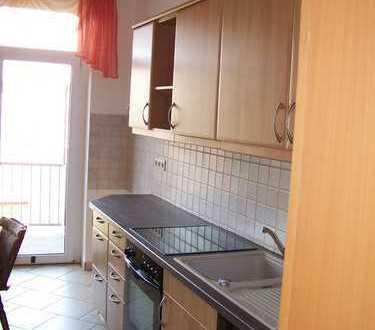 Günstige, gepflegte 2-Zimmer-Wohnung mit Balkon und EBK in Auerbach