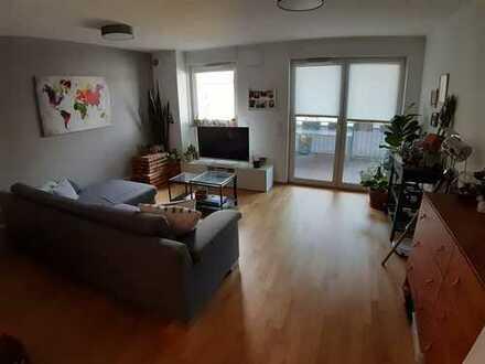 Stilvolle, neuwertige 2-Zimmer-Wohnung mit Balkon und Einbauküche in Bad Vilbel