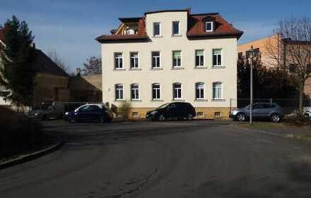 Modernisierte 3-Zimmer-DG-Wohnung mit Balkon und Einbauküche in Böhlen OT Großdeuben