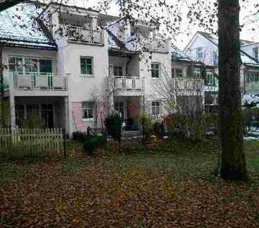 Wohnen im Park, gepflegte 1,5-Wg mit Hobbyraum in FFB incl. Terasse und kleinen Gartenanteil