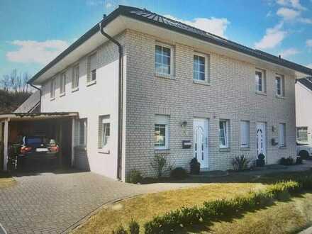 Gepflegte Doppelhaushälfte mit fünf Zimmern und EBK in Horn, Bremen