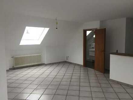 Schöne drei Zimmer Wohnung im idyllischen Neu-Lohn