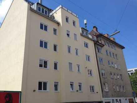 2.300 €, 135 m², 4 Room(s)