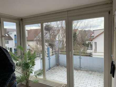 Schöne 2,5-Zimmer-Maisonette-Wohnung mit Balkon in Unterensingen