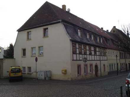 Erschwingliche Wohnung mit zwei Zimmern in Lunzenau