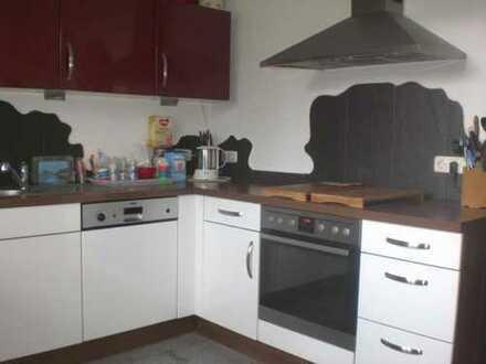 **Einziehen und Wohlfühlen** 4-Zimmer Maisonettewohnung mit Kamin in Siegburg-Brückberg