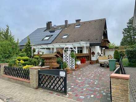 Familienfreundliche Doppelhaushälfte in Sandhausen * Waldrandlage *