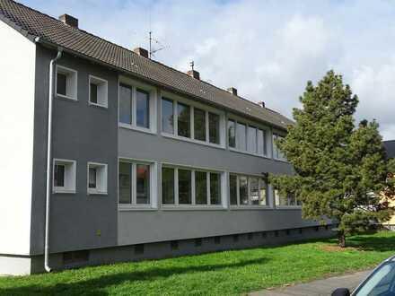 Zwei renovierungsbedürftige Mehrfamilienhäuser Bj. 1961