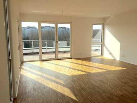 ÜBER DEN WOLKEN!! Elegantes 3-Zimmer-Penthouse mit Süd-Dachterrasse, Aufzug und 2 x Garage!!