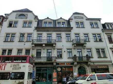 Laden in Toplage am Schillerplatz