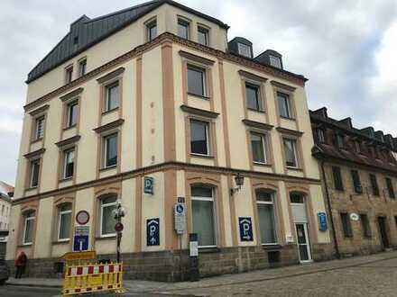 Großzügige lichtdurchflutete Gewerbefläche im Herzen Bayreuths zu vermieten