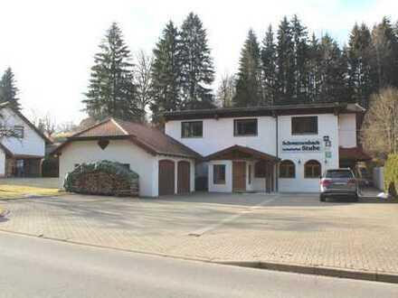 Interessantes Wohn- und Geschäftshaus am Ortsrand - ca. 900 m² Grundstück
