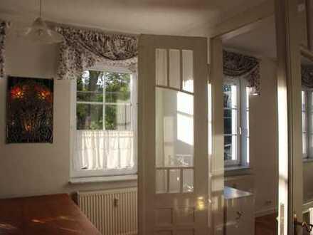 Vollständig renovierte 4-Zimmer-Wohnung für Individualisten,teilmöbliert mit Garten in Niederwiesa
