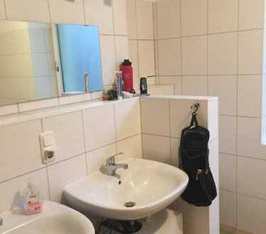 Freundliche 2-Zimmer-EG-Wohnung mit Einbauküche in Hannover